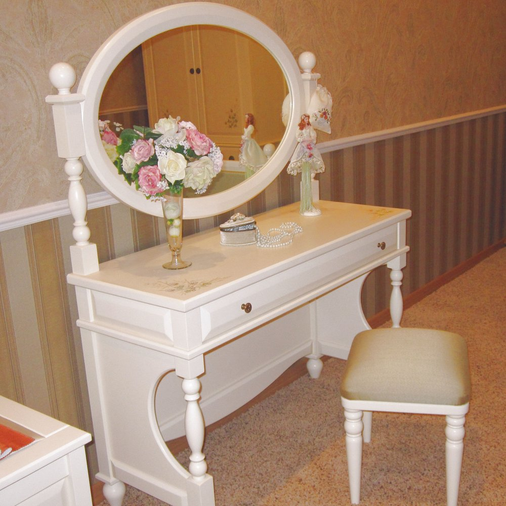 Dressing & Bedside Tables